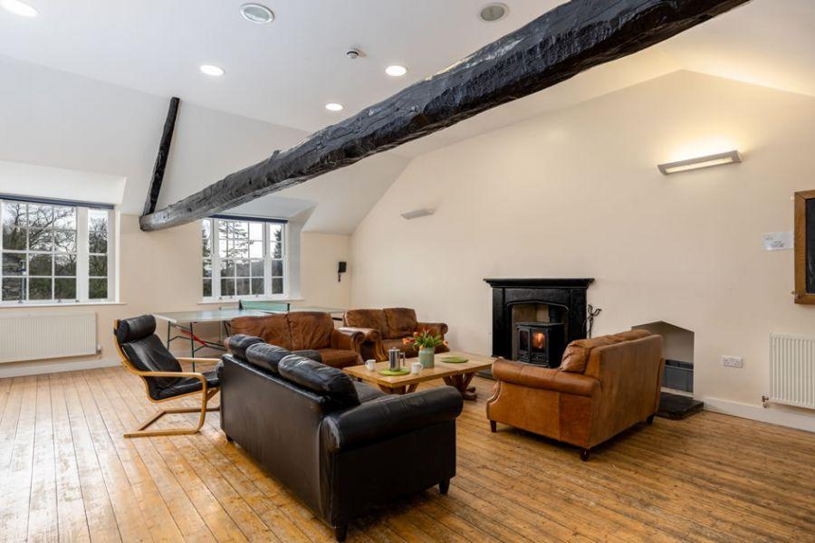 bunkhouse-lounge