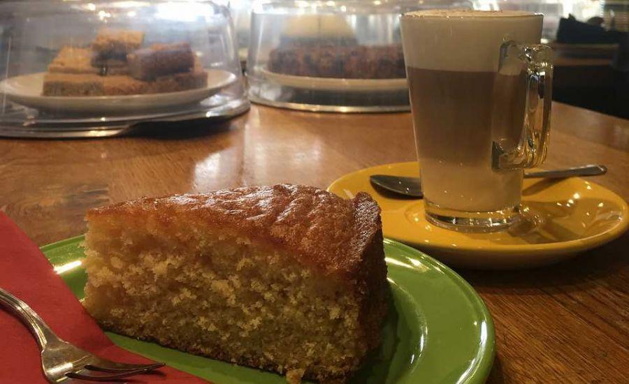 cake-and-coffee-w960